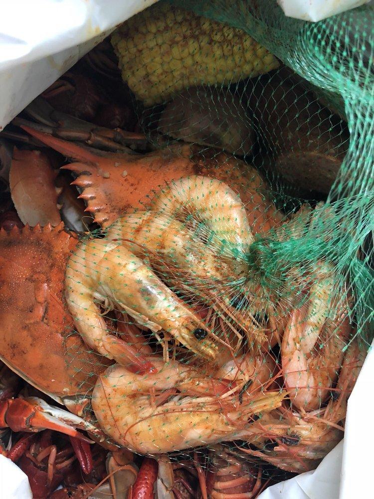 Bayou Cane Seafood: 6539 W Main St, Houma, LA