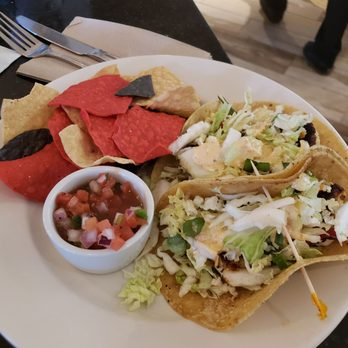 Pacifica Breeze Cafe - 53 Photos & 57 Reviews - Salad - 3225 N Harbor Dr, San Diego, CA, United ...
