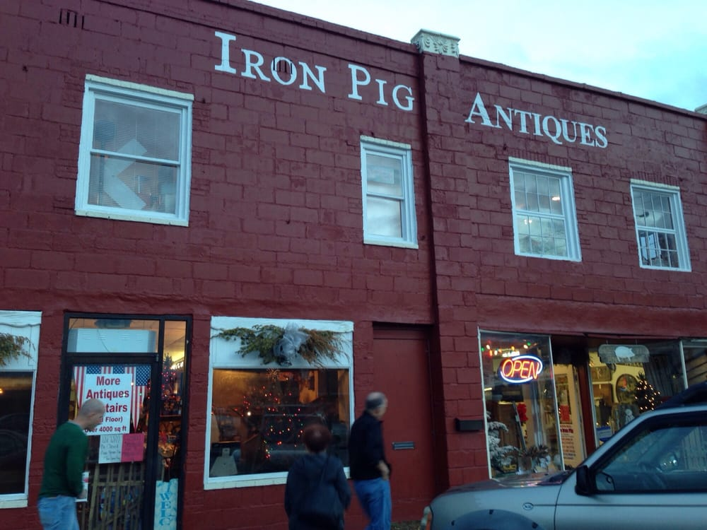Iron Pig Antiques: 103 N Cannon St, Woodbury, TN