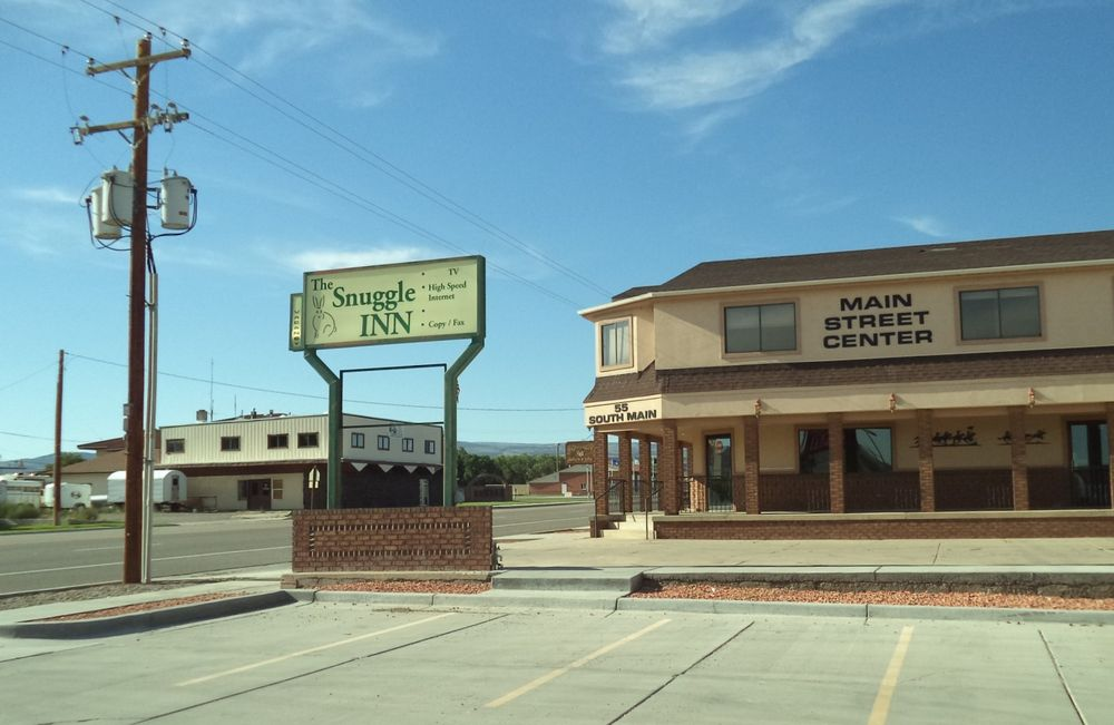 The Snuggle Inn: 55 S Main, Loa, UT
