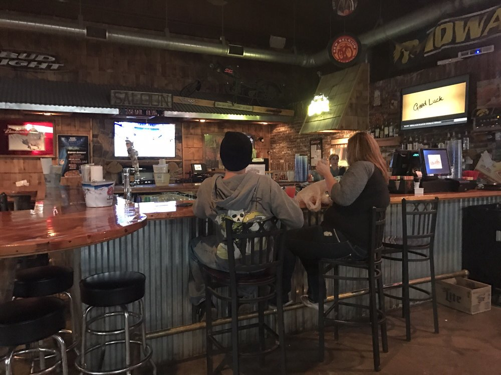 Softtail Saloon: 11 1st Ave, Superior, IA