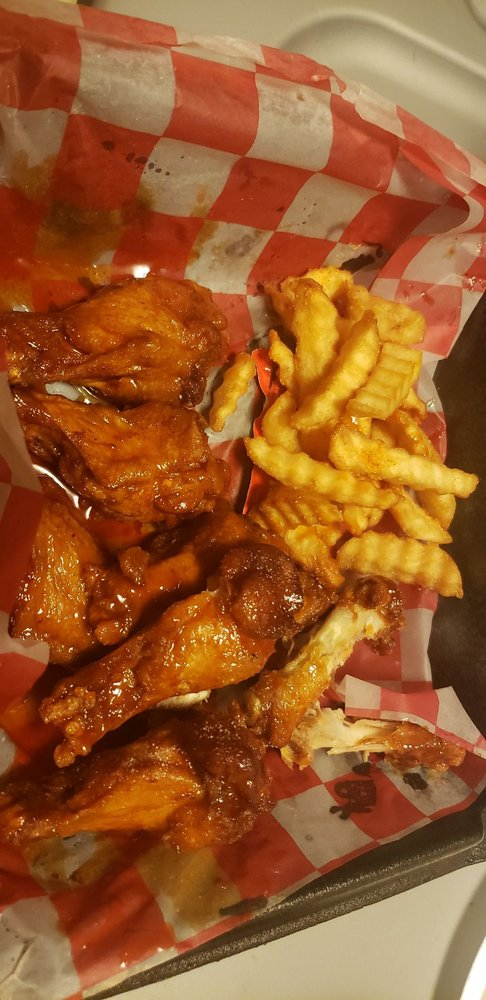 Food from What The Cluck Wings