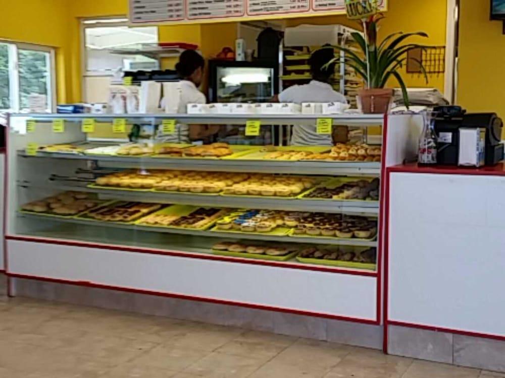Twisty Donut: 500 Clark St, Italy, TX