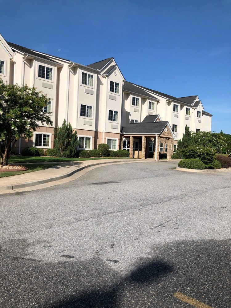 Microtel Inn & Suites by Wyndham Perry: 110 Fairview Drive, Perry, GA