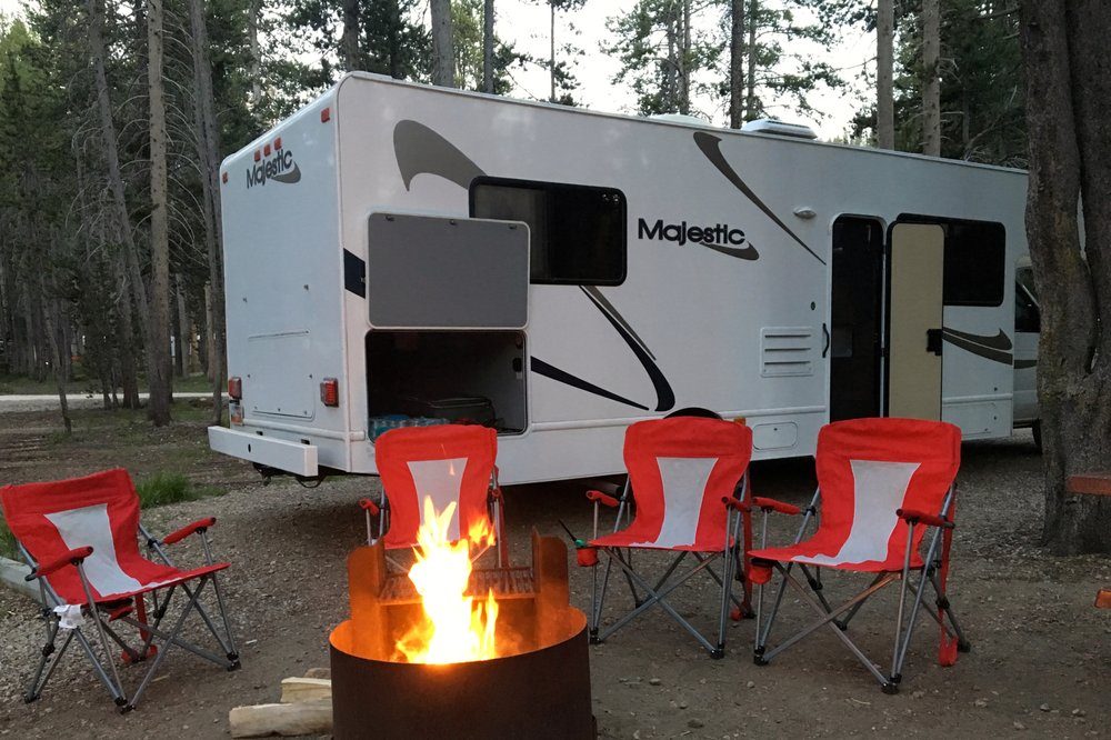 Bull Trout Lake Campground: Lowman, ID