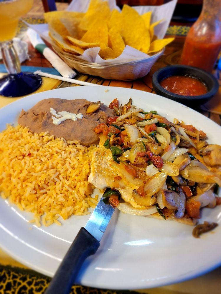 Las Cazuelas Mexican Cuisine: 4214 Bishop Ln, Louisville, KY