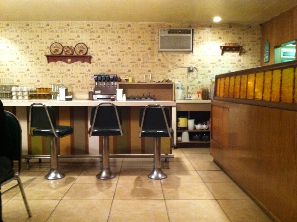 Broken Wheel Restaurant & Lounge: 102 E Cameron Ave, Kellogg, ID