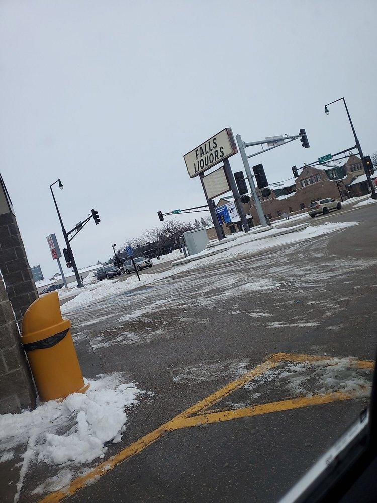 Thief River Falls Liquor Store: Hwy 59 & Atlantic, Thief River Falls, MN