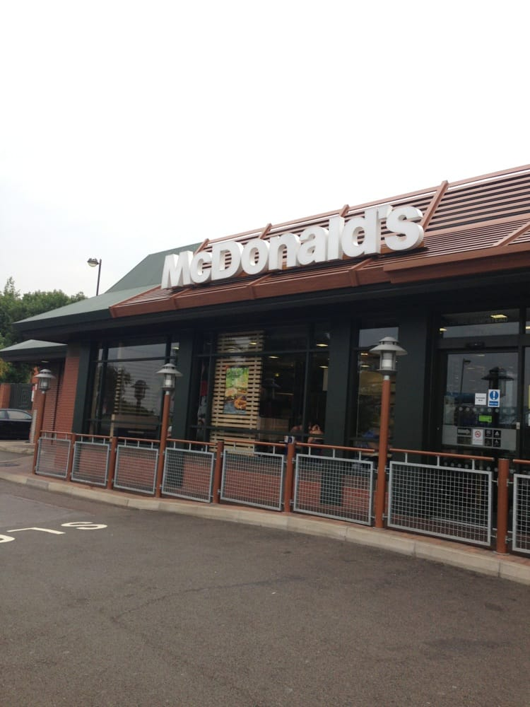 Are you looking for information such as address and phone number of mcdonalds corporate office headquarters. We have also provided toll free number of customer service so that you can contact them for any issues, complaint, review or suggestion about any services provided by mcdonald.