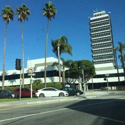 'Photo of Los Angeles International Airport - LAX - Los Angeles, CA, United States' from the web at 'https://s3-media2.fl.yelpcdn.com/bphoto/JimQNlunCgsgx2EXBS5-9A/ls.jpg'