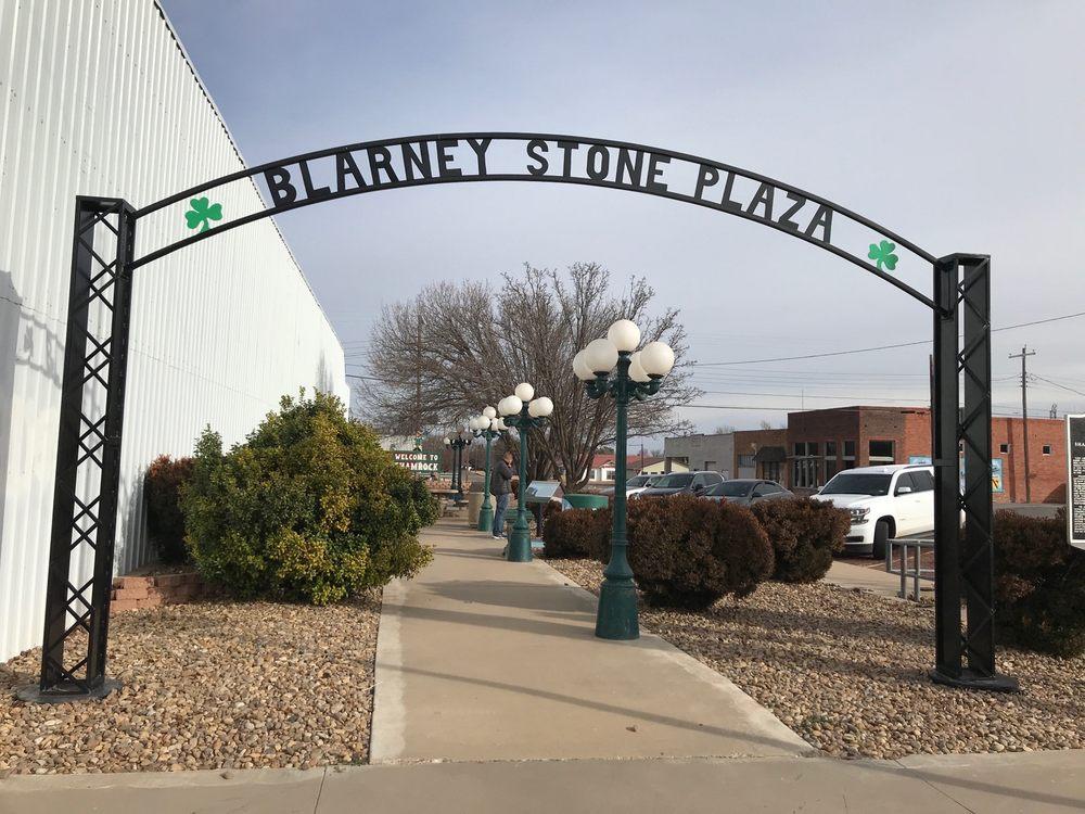 Blarney Stone: 303 E Interstate 40, Shamrock, TX