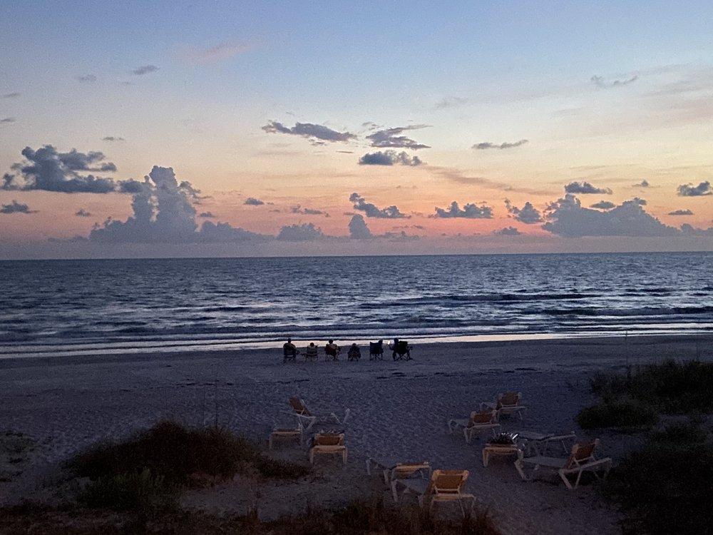 Sand Glo Villas: 19316 Gulf Blvd, Indian Shores, FL