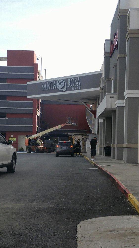 Santa Rosa Mall: Carr. 2 S/N, Bayamón, PR