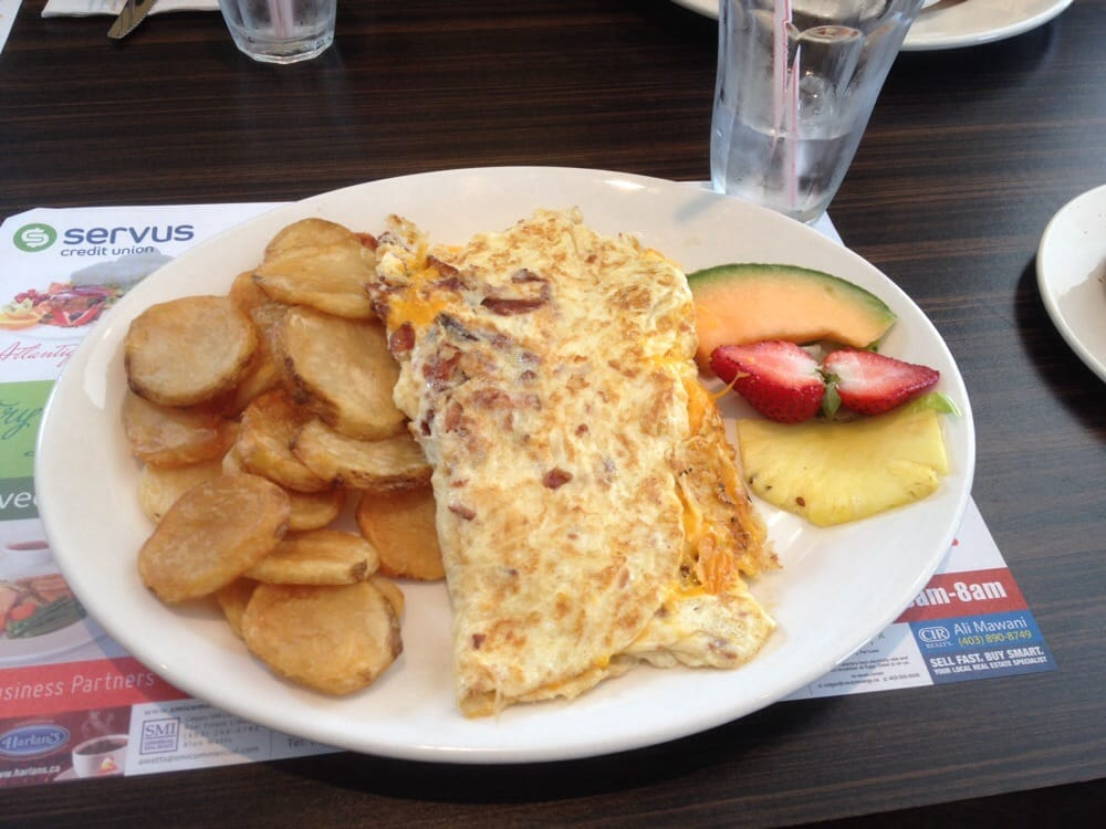 Bacon & Cheddar Omelette with Homestyle (deep-fried ...