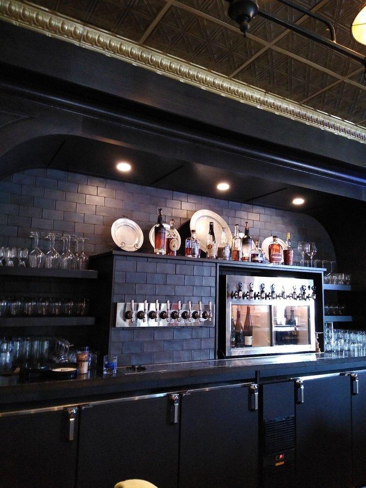 Black Horse Tavern: 27 S Broadway St, Lebanon, OH