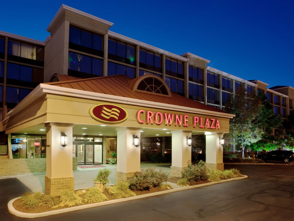 crowne plaza cleveland airport parking coupon