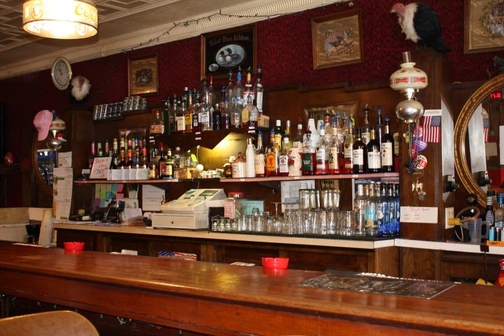 Vickies Saloon: 115 N Laramie, Fort Laramie, WY