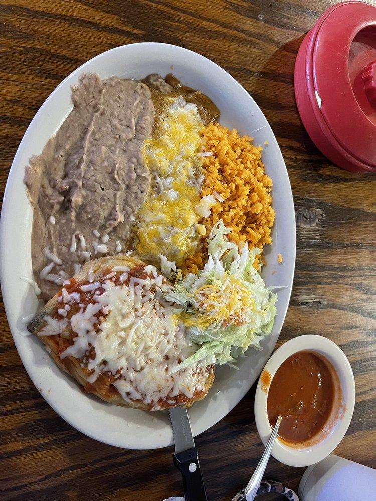 Aurelia's Kitchen: 2636 County Rd 128, Floresville, TX