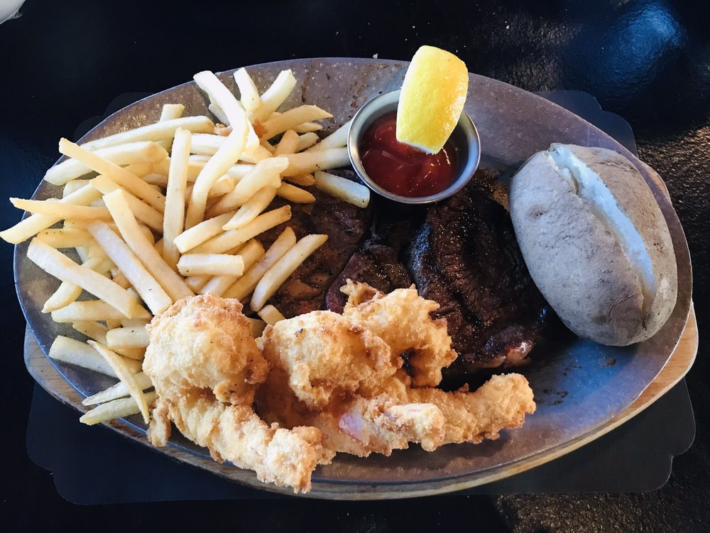 El Rancho Inn-Steak & Lobster House: 1457 E Mariposa Rd, Stockton, CA