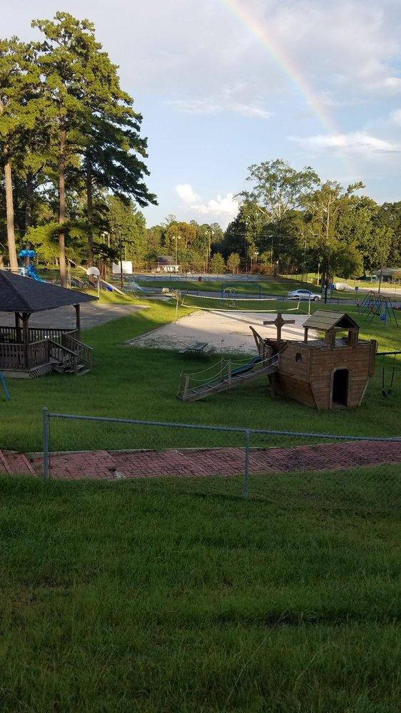 H. W. Pearce Memorial Park: 346 Vanity Park Dr, Jackson, AL