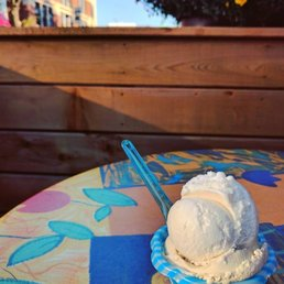 pile ou glace 10 reviews ice cream frozen yoghurt. Black Bedroom Furniture Sets. Home Design Ideas