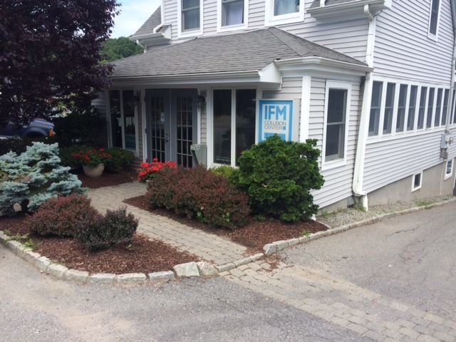 IFM Collision Center: 115 Plainfield Ave, Bedford Hills, NY
