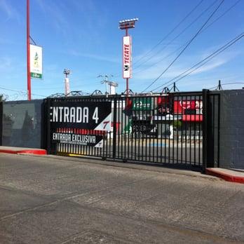 Estadio gasmart 11 fotos y 16 rese as estadios y for Sanborns de los azulejos tiene estacionamiento