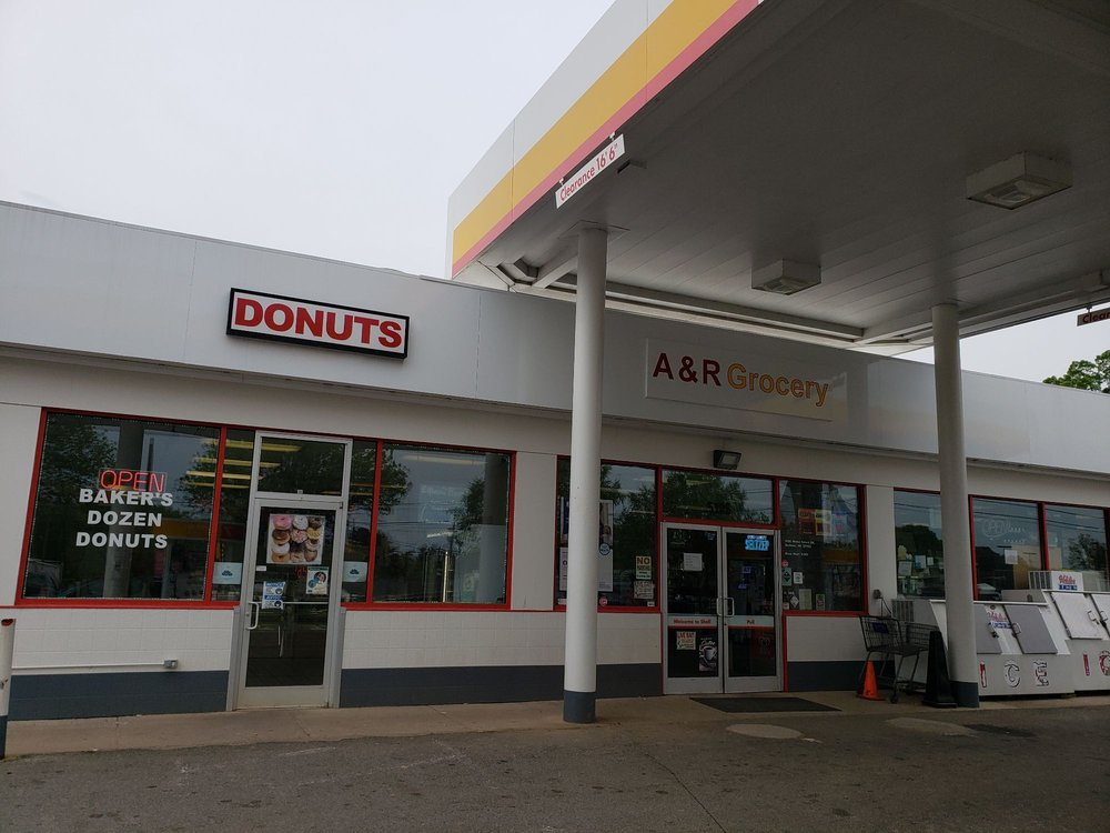 Baker's Dozen Donuts: 5108 Wake Forest Hwy, Durham, NC