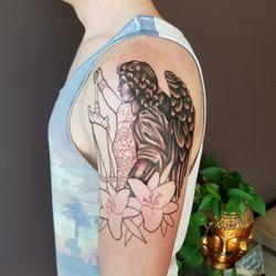 Tattoos une liste yelp par heidi p for Sacred ink tattoo
