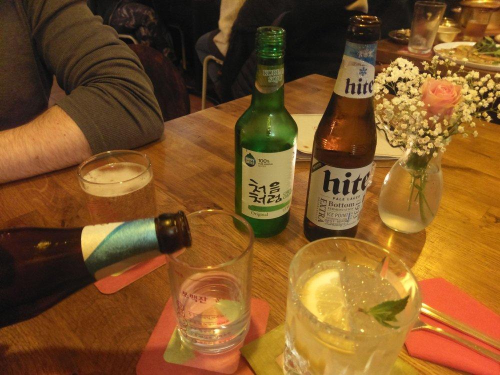 Gin Tonic und klassisches koreanisches Bier Mischgetränk - Yelp