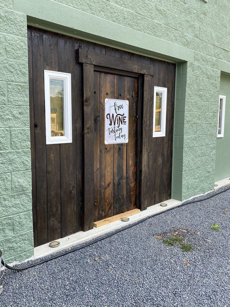 Cold run valley winery: 92 Bonaventure Way, Berkeley Springs, WV
