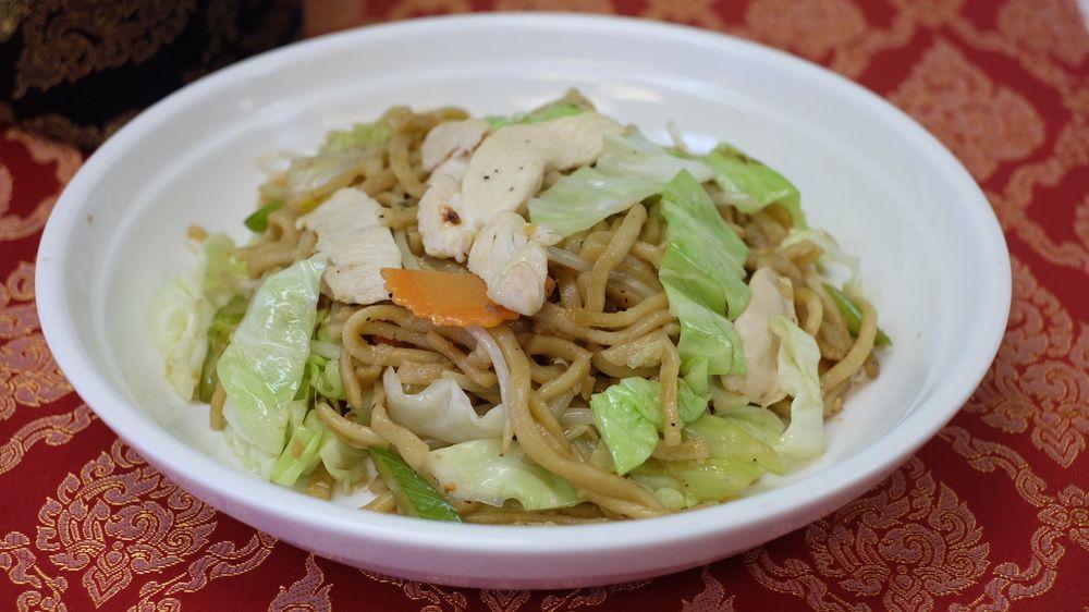 Khao San Thai Kitchen: 1255 N Davis Rd, Salinas, CA