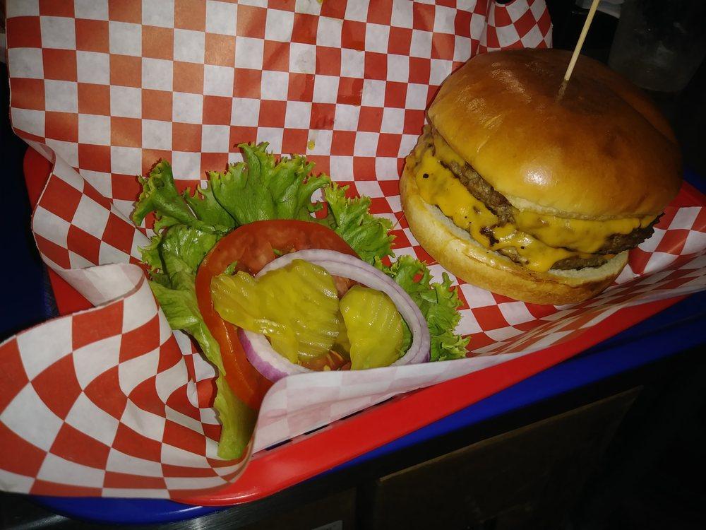 Bob's Burger Barn: 4951 Fm 1283, Pipe Creek, TX