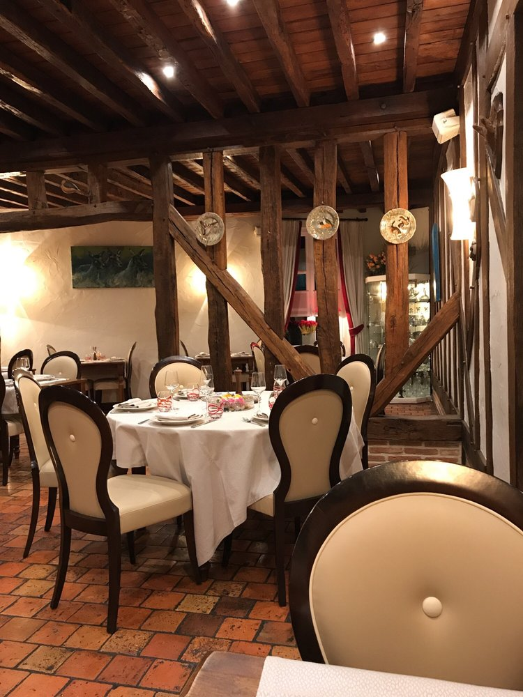 Auberge du Cheval Blanc - Yvoy le Marron