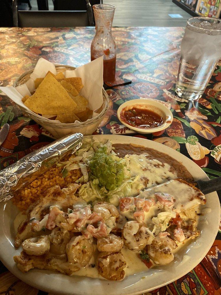Jalisco Mexican Restaurant: 2601 Central Ave, Dodge City, KS
