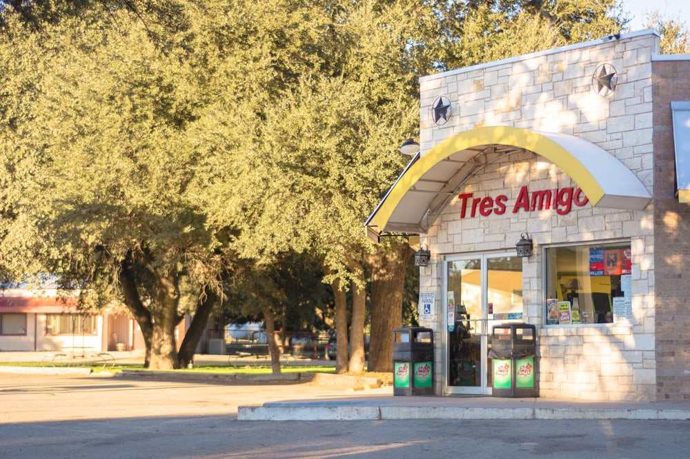 Tres Amigos Convenience Store: 20793 US Hwy 277 S, Christoval, TX