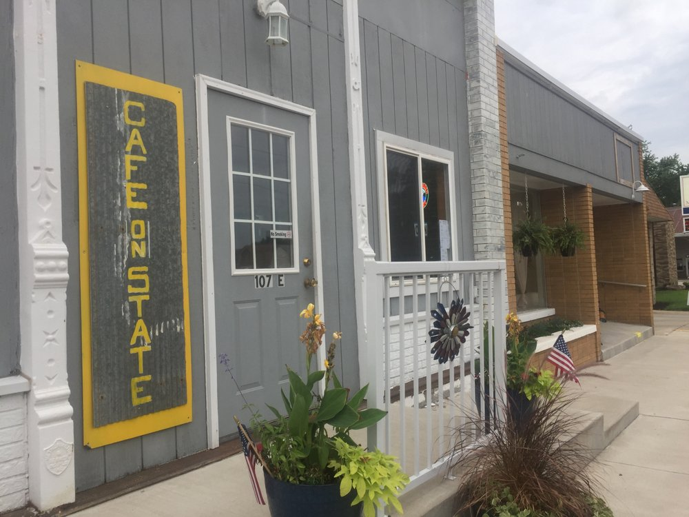 Cafe on State: 224 E State St, Morocco, IN