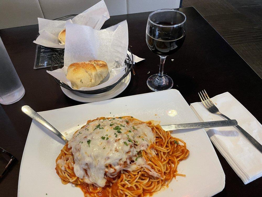 Roma Italian Restaurant: 1320 Hwy 62-65, Harrison, AR
