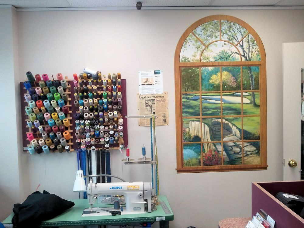 Hom's Cleaners: 207 Commack Rd, Commack, NY