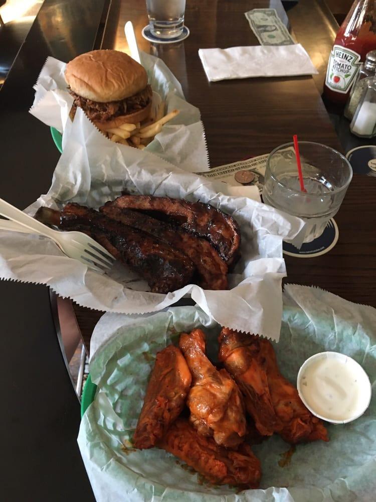 Conway's Smokin' Bar & Grill