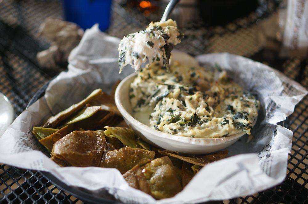 Meding's Seafood: 3697 Bay Rd, Milford, DE