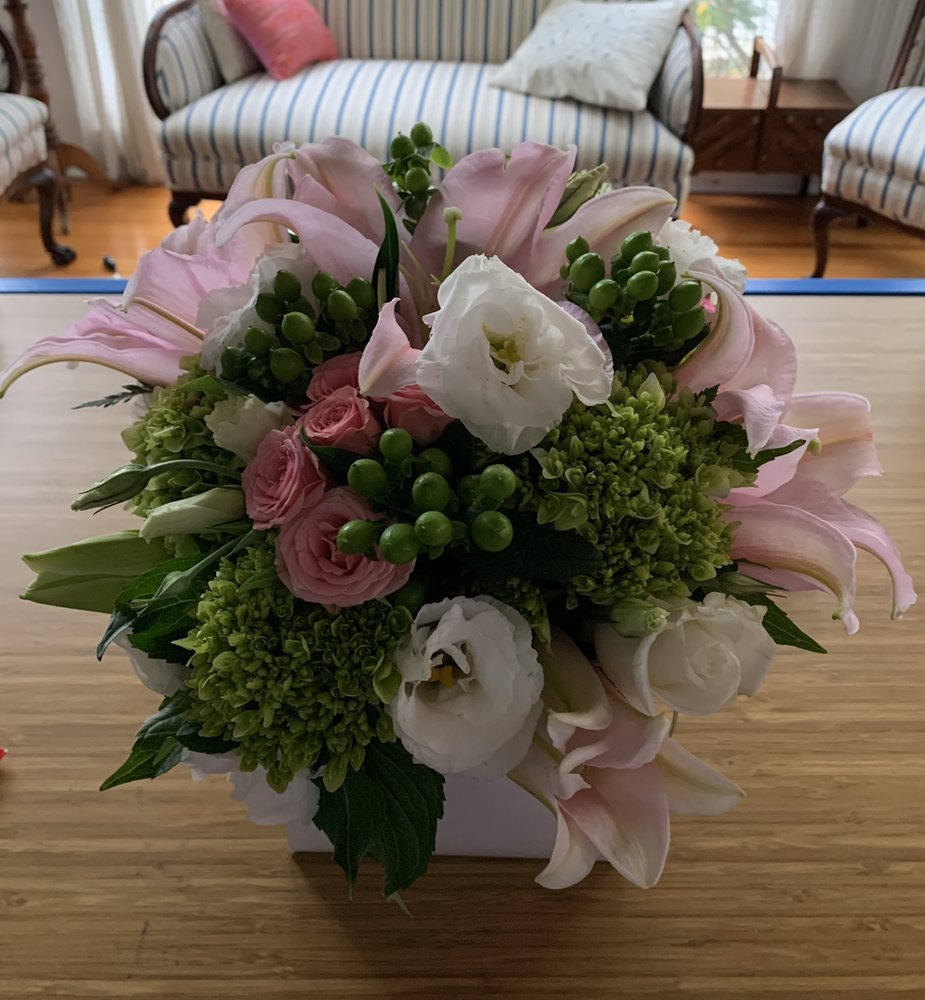 Schweizer & Dykstra Beautiful Flowers: 169 N Middletown Rd, Pearl River, NY