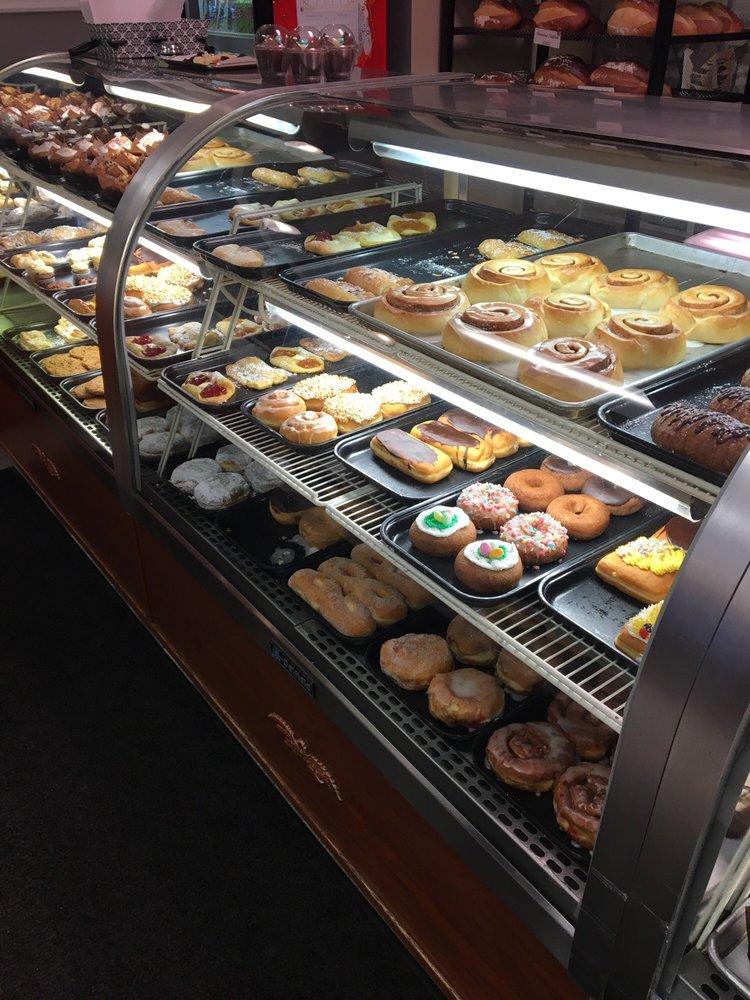 The Bakery Shoppe: 700 River Ave, Iron Mountain, MI