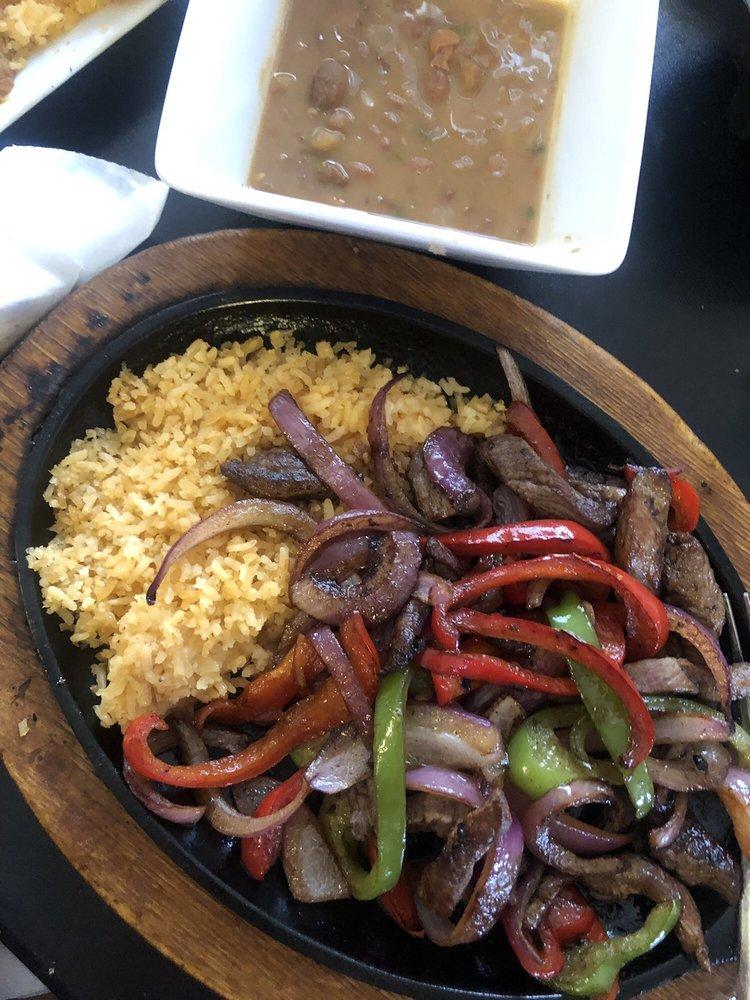 La Juanita Mexican Cuisine and Grill: 2704 San Jose Blvd, Carlsbad, NM