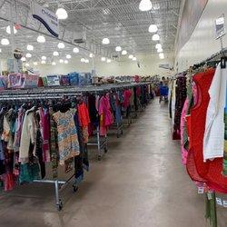 Goodwill Superstore - (New) 11 Photos & 29 Reviews - Thrift