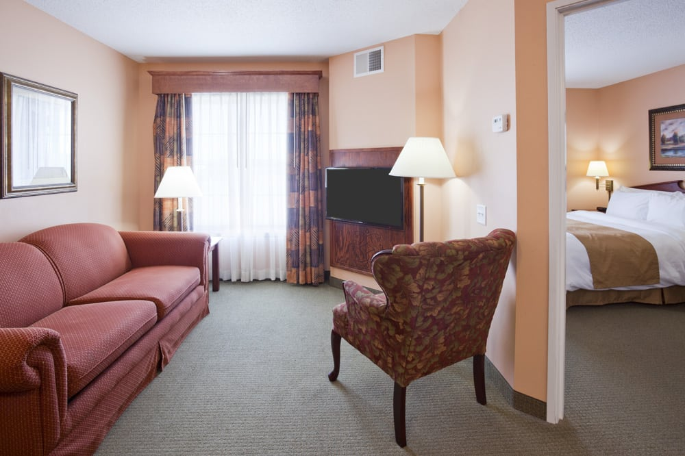 Grandstay Hotel & Suites: 1606 S Kellogg Ave, Ames, IA
