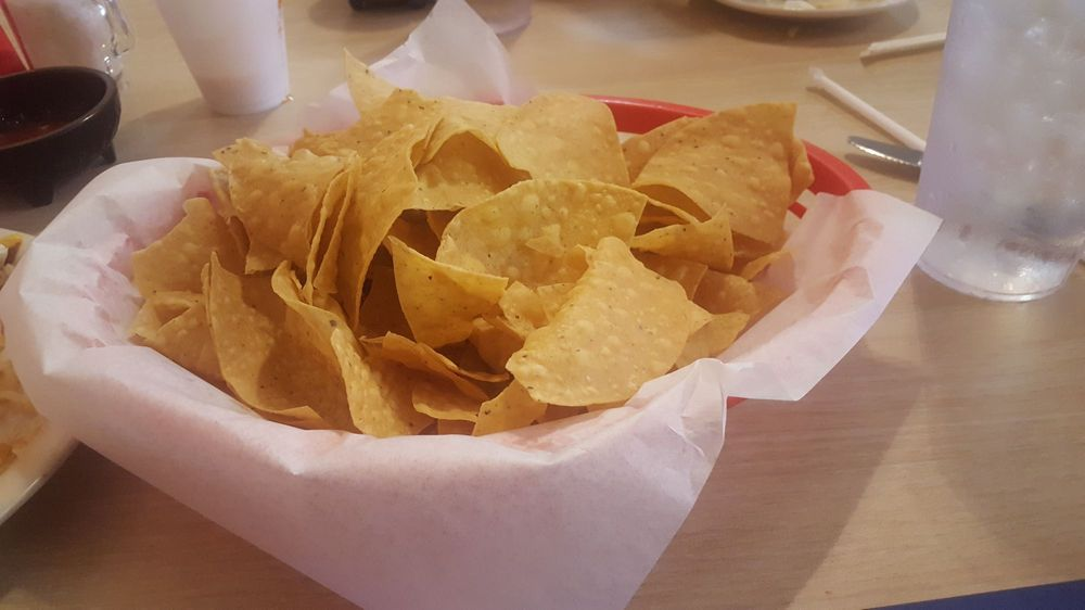 Guadalupe's Mexican Restaurant: 101 E Pacific Ave, Gladewater, TX