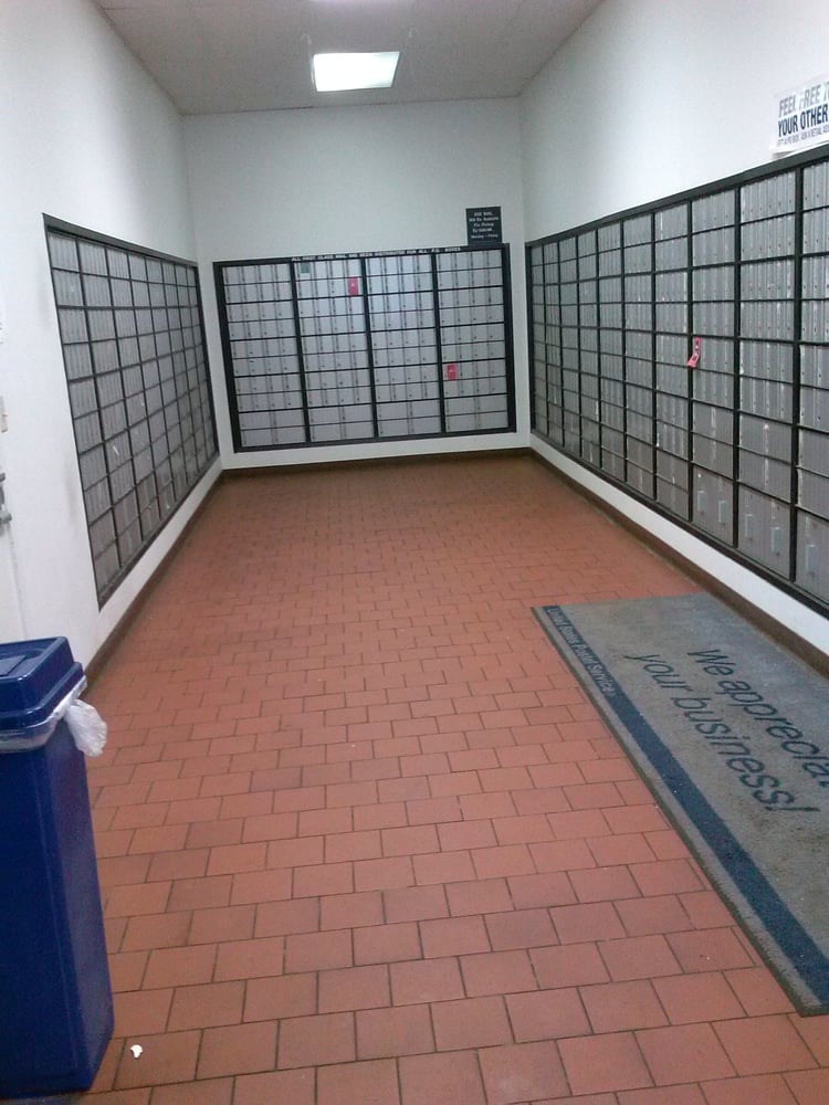 US Post Office: 220 Albany Tpke, Canton, CT