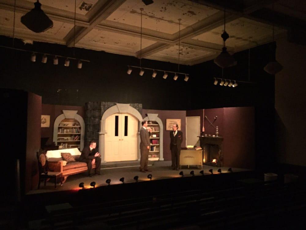 Appomattox Courthouse Theatre: 331 Court St, Appomattox, VA
