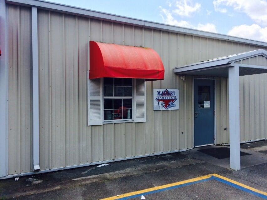 Market BBQ: 1485 1st Ave SE, Moultrie, GA